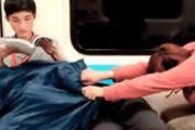 每日一? 地铁上败坏风气的男女居然在吹箫