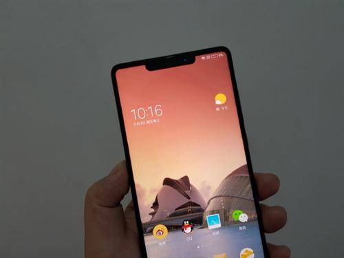 小米7全面屏新机 神似iPhoneX也有刘海[多图]