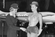 上世纪60年代瑞典航空发布空乘超短裙装![多图]